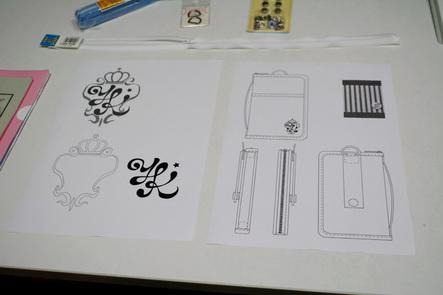 デジハリ大学10 USBメモリケースのロゴ