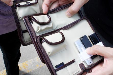 デジハリ大学12 USBメモリケースサンプルのポケット