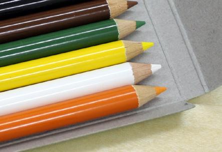 コーリン色鉛筆04 ペン
