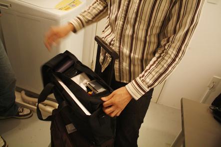 キャリケースにビジネスバッグをセット3