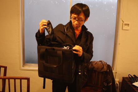 ビジネスバッグのスタンバイモード1