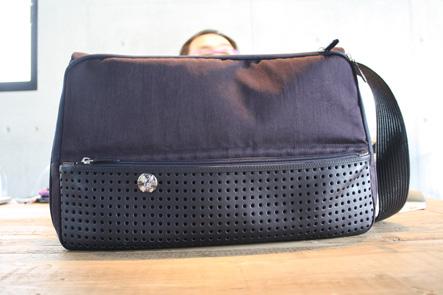 MacBook Pro15対応バッグのナス色