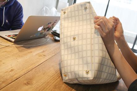 キューポット(Q-pot)のバッグの足