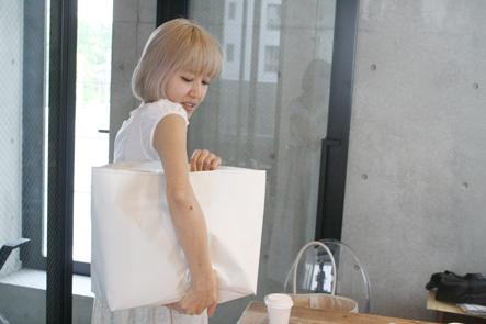 バッグはこういう風に持ちたい。