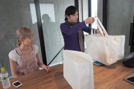 バッグのサンプルが2個