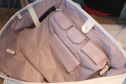 バッグの中のポケット