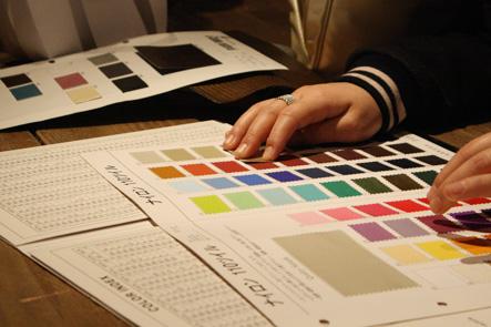 かわいい筆箱の色を考える