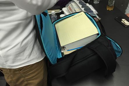理想のビジネスバッグの耐久テスト1