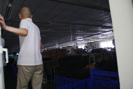 お昼休憩のベトナム工場