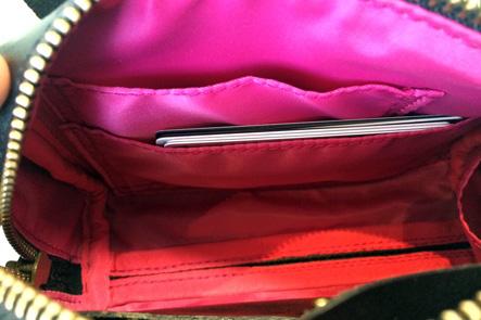ミニボストンバッグのカード入れ部分の問題