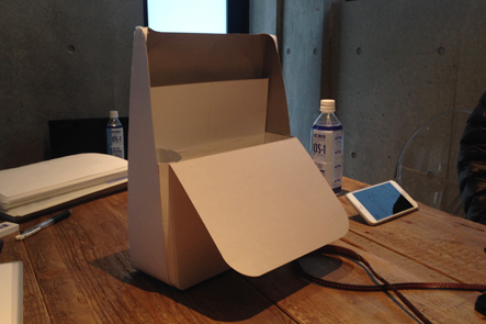 ひらくPCバックminiの紙のプロトタイプ