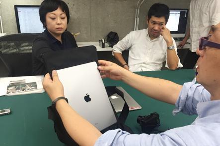 ひらくPCバッグnanoはMacBook13インチが入る