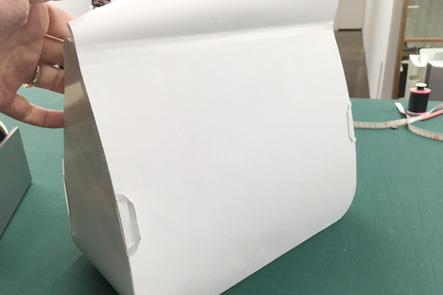 ひらくPCバッグnanoの紙サンプルのバージョンアップ、背面